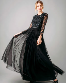 Needle and Thread Embellished Gown rörelse