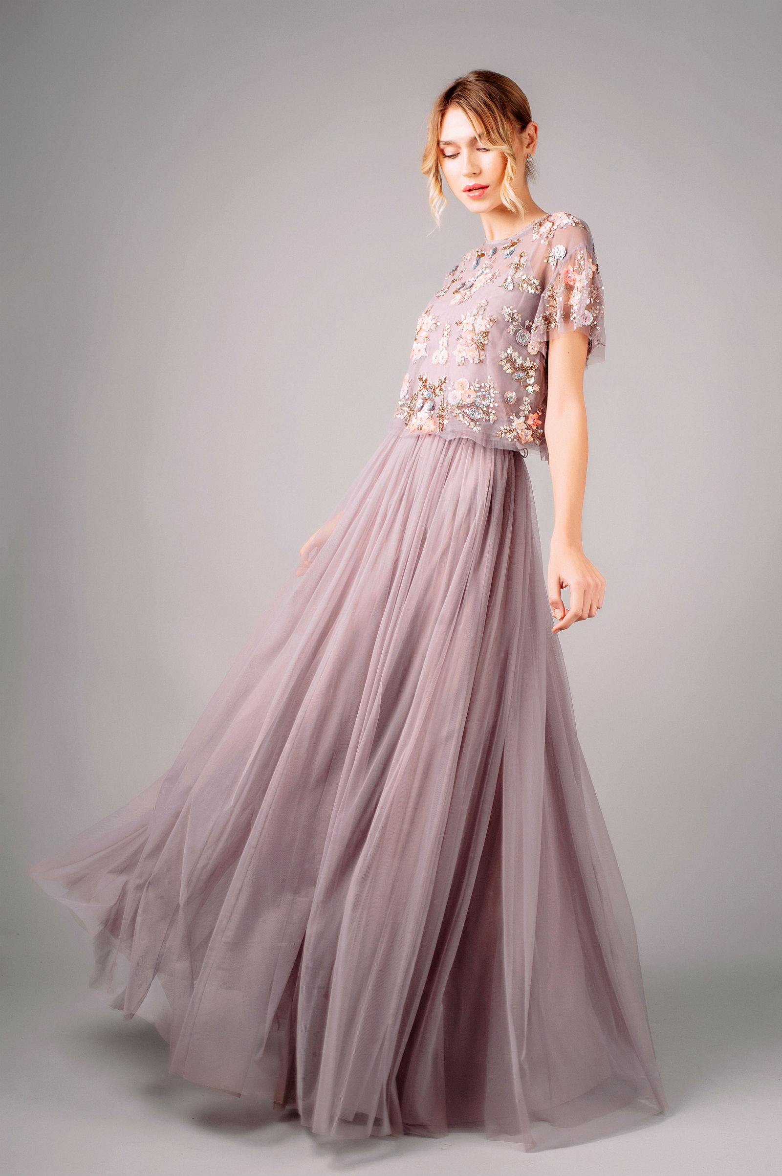 Needle and Thread Tulle Skirt and Embellished Top rörelse