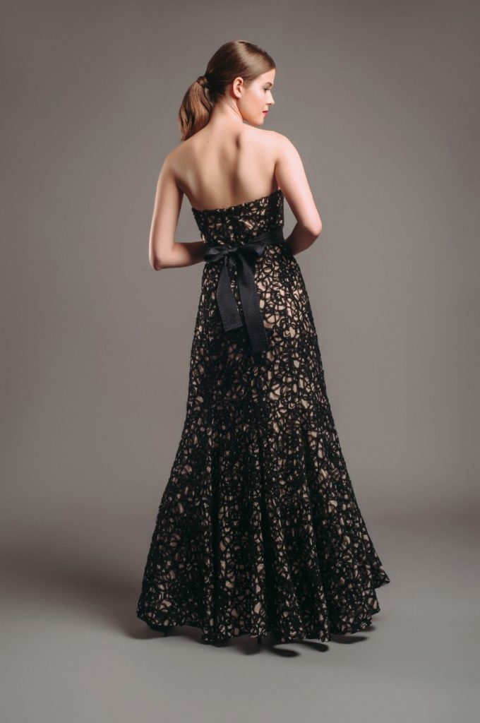 Hyra aftonklänning Phase Eight Embroidered Floral Maxi Dress